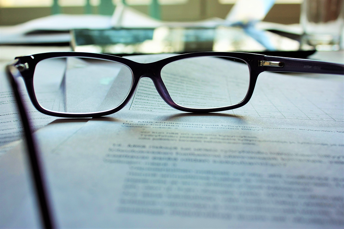 Okulary na papierach